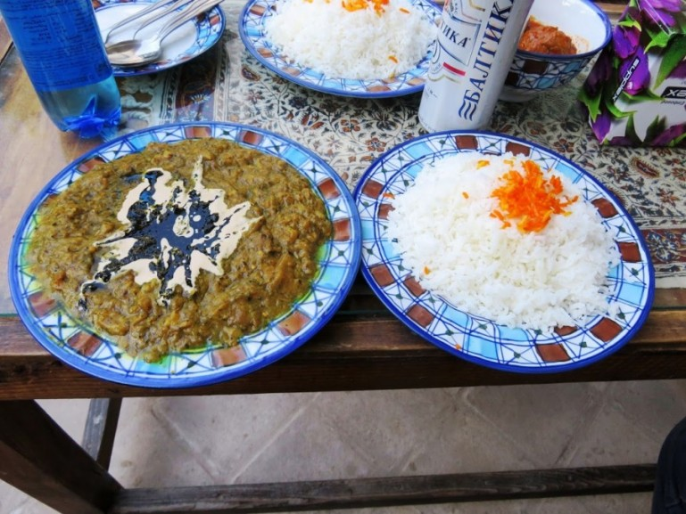 Khorest e bademjan is a Persian stew with aubergine