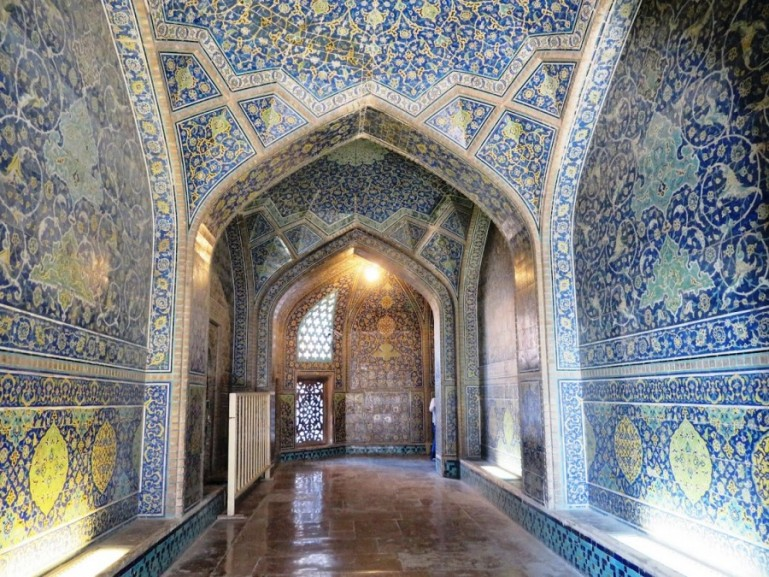 Sheikh Lotfollah mosque at the Naqs-e Jahan square in Isfahan Iran. One of the top things to do in Isfahan.