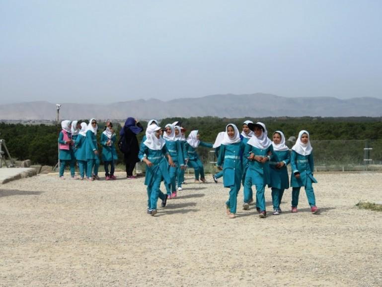 schoolgirls that visit Persepolis