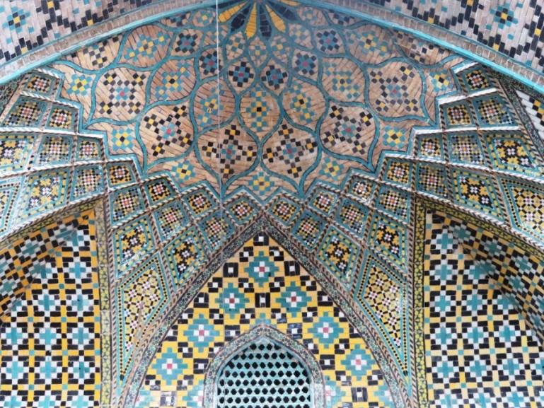 The imamzadeh Zeid shrine at theTehran grand bazaar