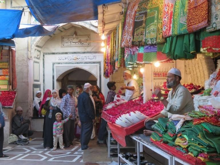 Entrance to the shrine of Nizamuddin Auliya in Nizamuddin Basti Delhi