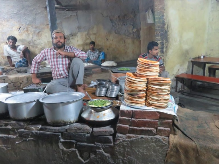 The Nizamuddin basti walk with the Hope project in Delhi