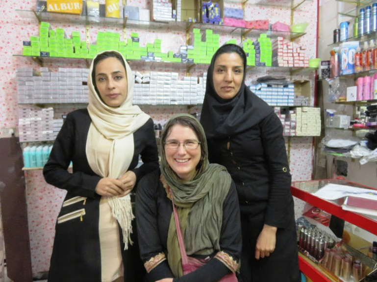 solo female travel in Iran includes meeting Iranian woman interested to hear about fashion in my country