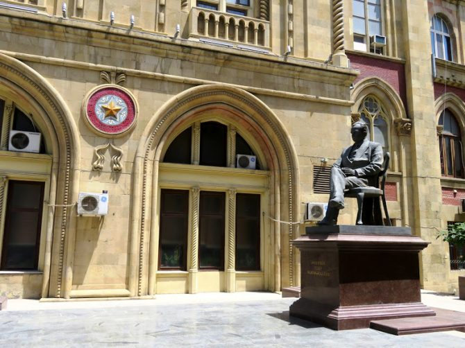 The best of Baku: Oil, wealth and history