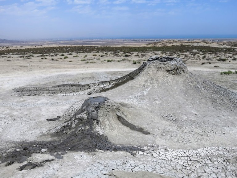 The gobustan volcanoes in the Absheron Peninsula, one of the interesting day trips from Baku you can make