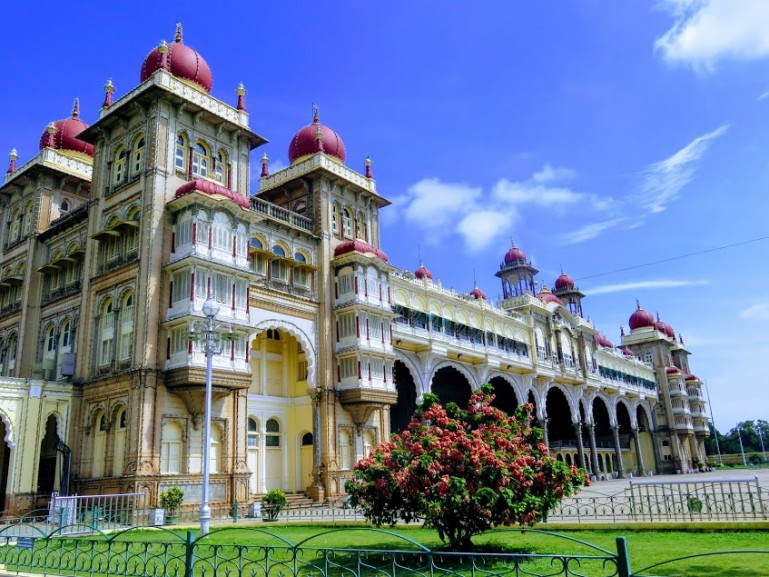 mysore palace is among the top things to do in Mysore