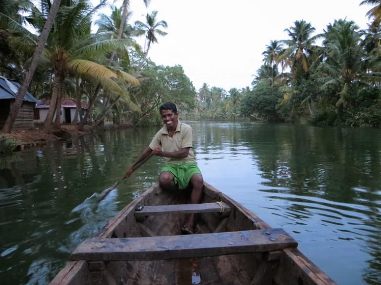 Vijeesh's cano tour through the backwaters of Munroe Island