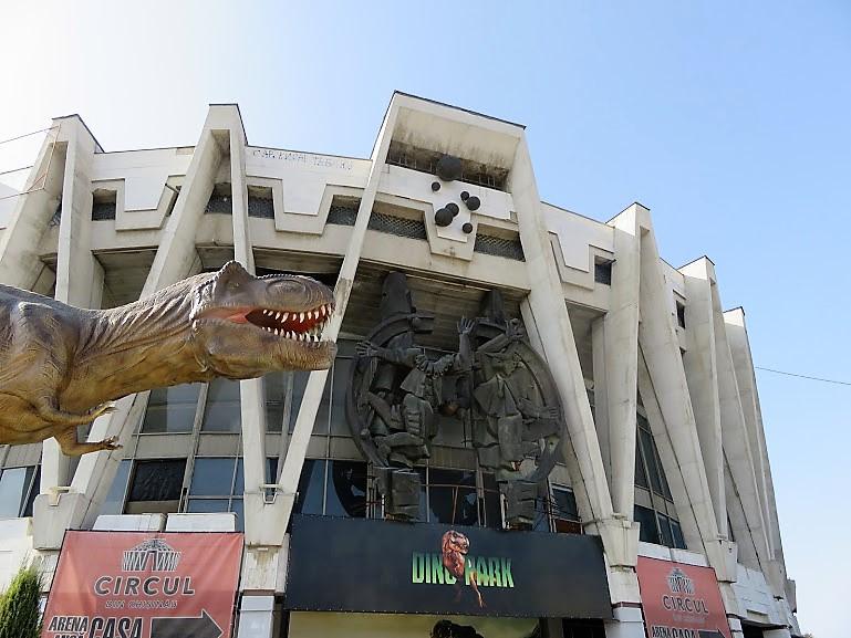 the abandoned soviet circus in Chisinau