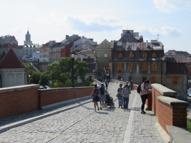 way from the old town to the Lublin castle