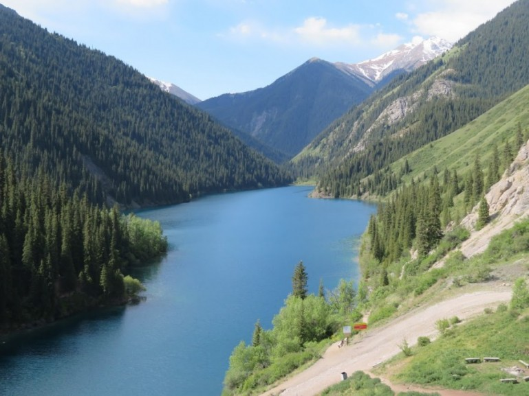 Kolsai Lakes national park in Kazakhstan: a travel guide