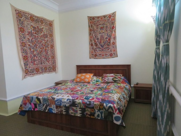 When backpacking Uzbekistan you can choose between different types of guesthouses