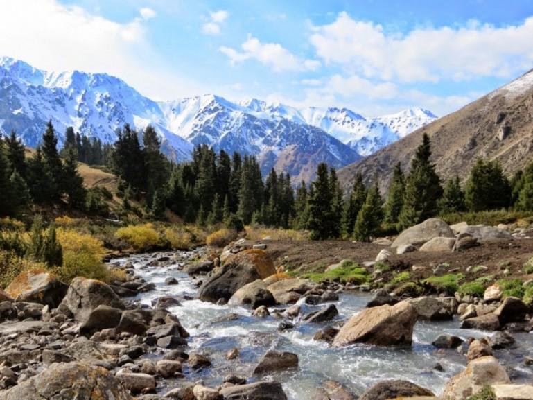 The Altyn Arashan trek in Kyrgyzstan