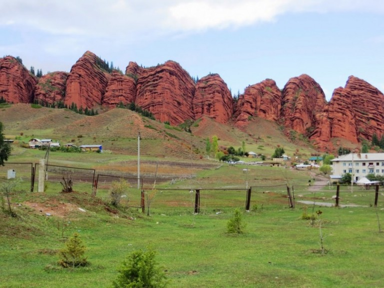 16 top places to visit in Kyrgyzstan