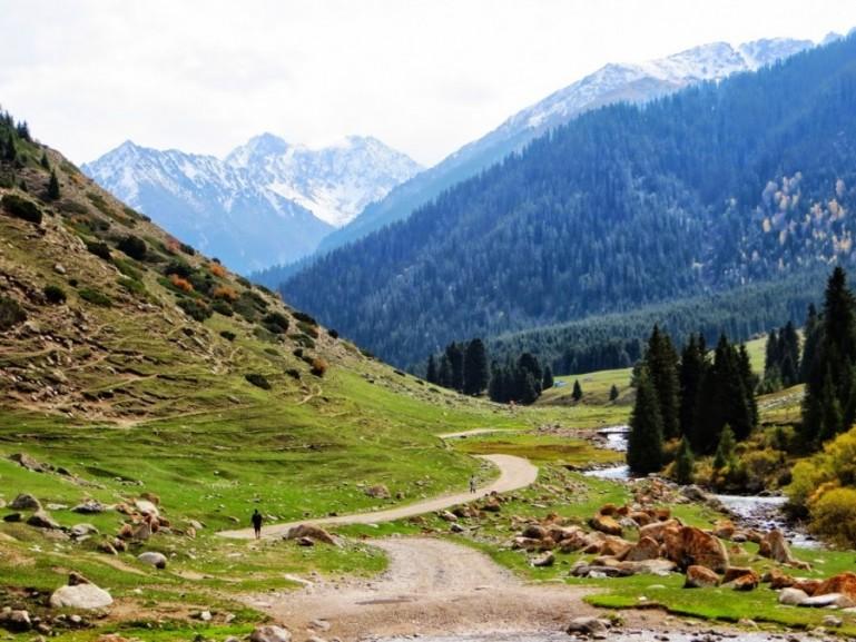 Mountain views in Jeti Oguz