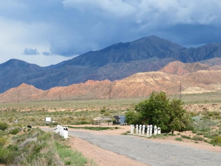 The road from Bishkek to Karakol near Manjyly Ata