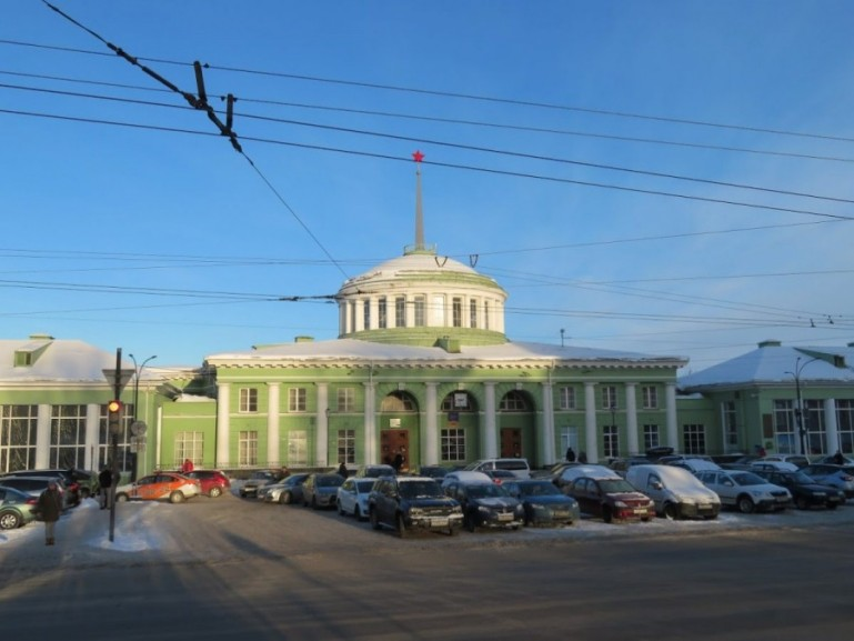 Murmansk station