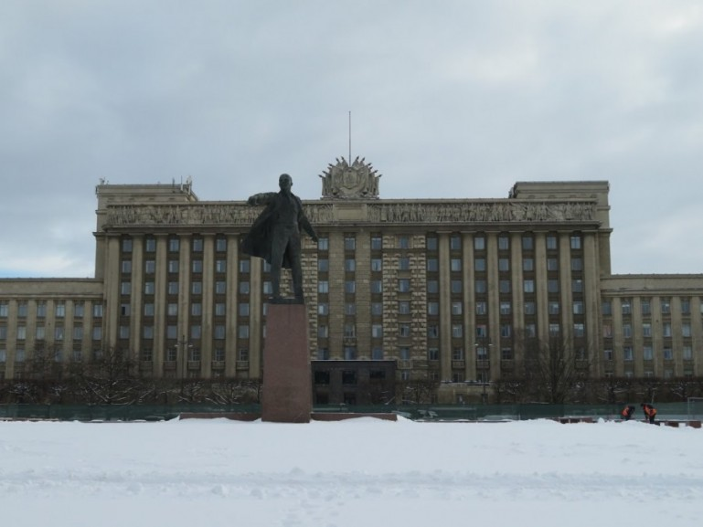 Lenin in front of the House of Soviets