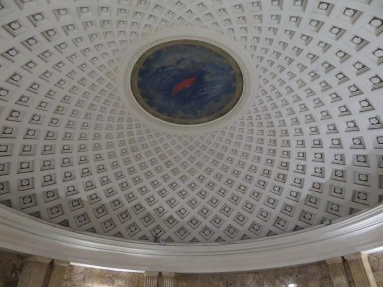 The ceiling at the vestibule of Taganskaya metro station