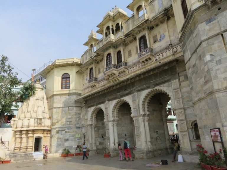 Gangaur ghat is one of the best places to visit in Udaipur