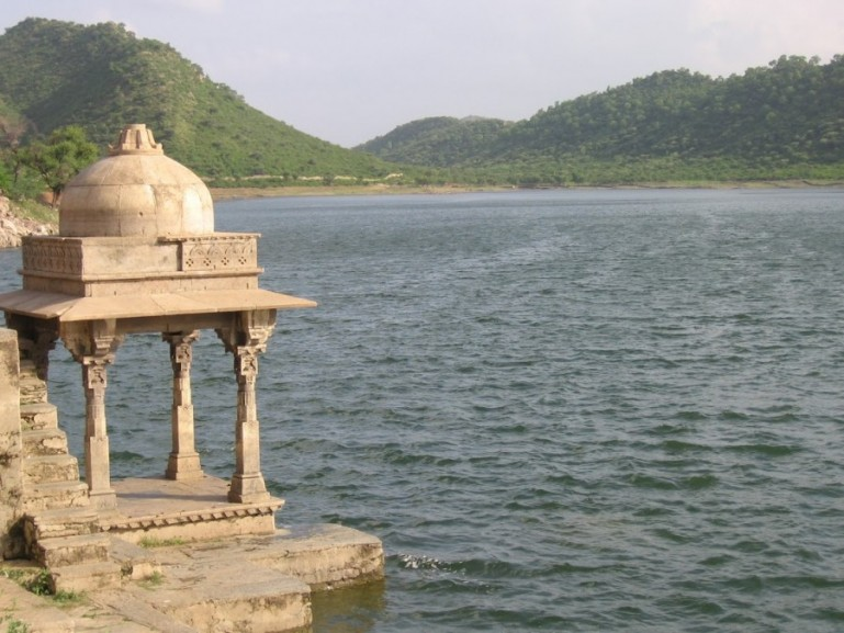 Fateh Sagar lake in Udaipur