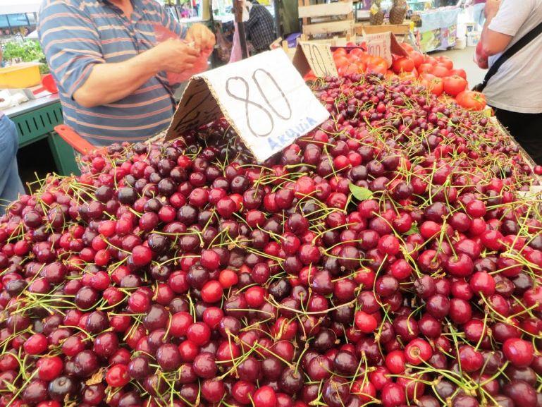 Cherries at the Zeleni Venac market