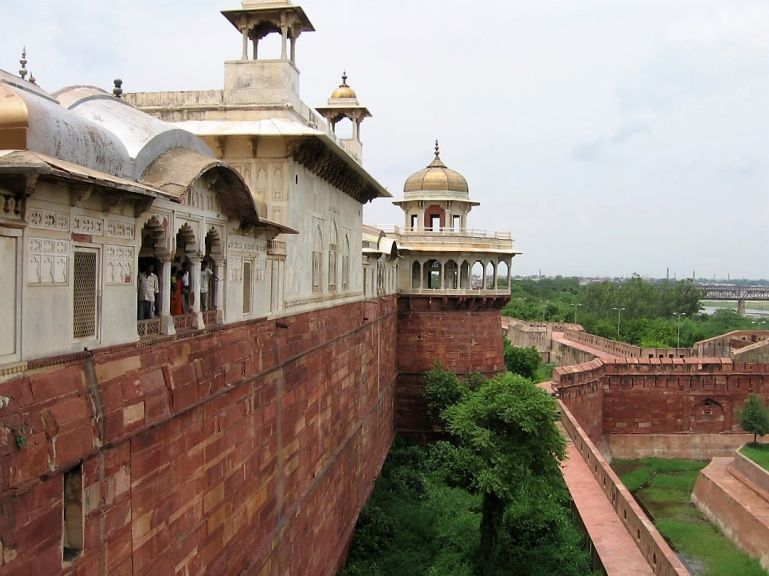 Agra Fort is among the top places to visit in Agra in one day