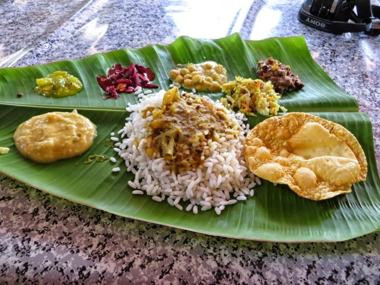 traditional thali lunch in Kerala