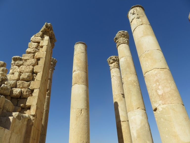Getting from Amman to Jerash is easy