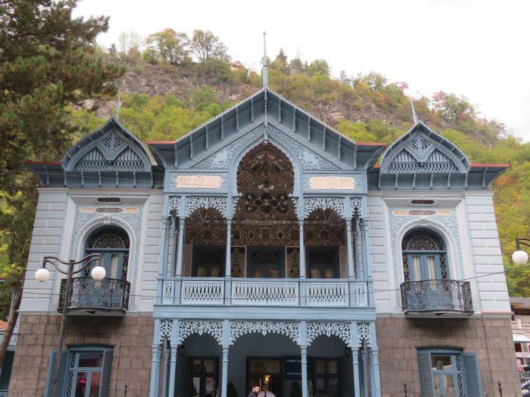 Firuza building