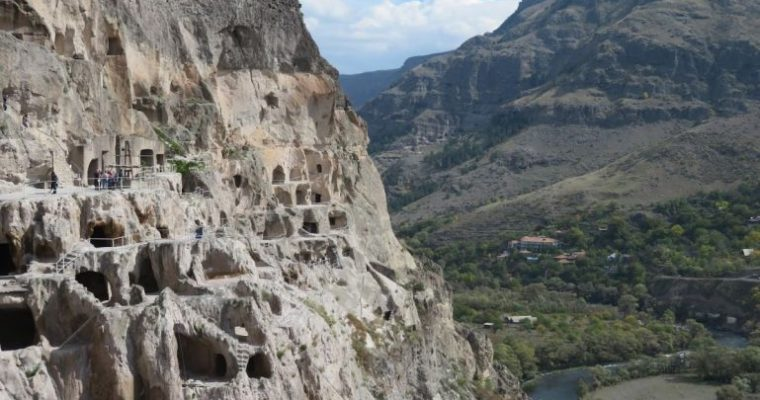Vardzia cave town and monastery: a travel guide